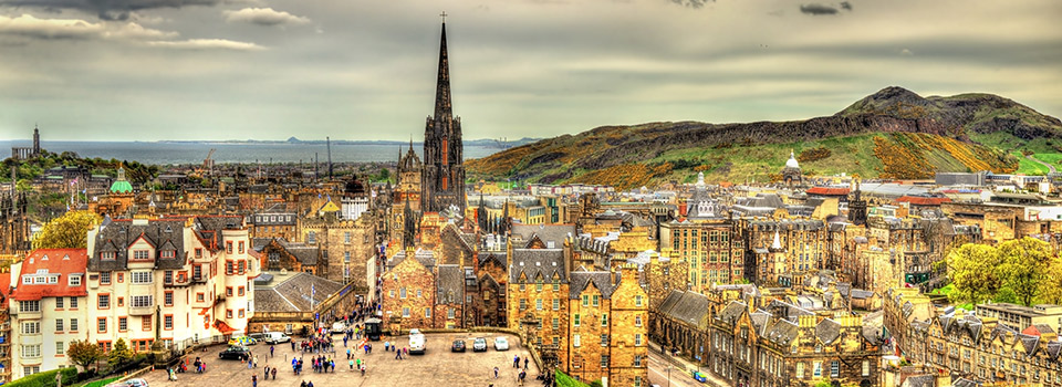 Flights from Lisbon to Edinburgh  from 153 EUR