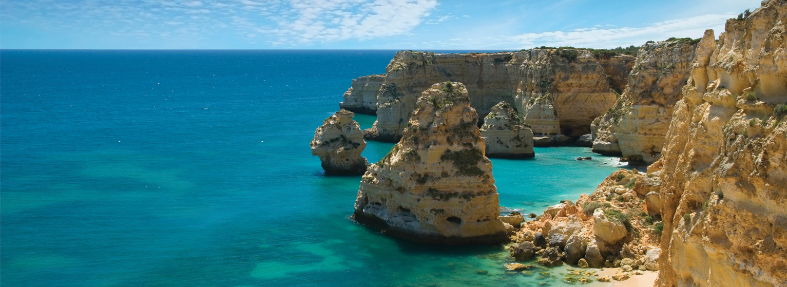 Flights from Barcelona to Faro  from 62 EUR