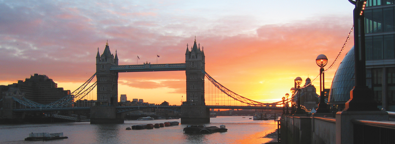 Flights from Porto to London  from 42 EUR