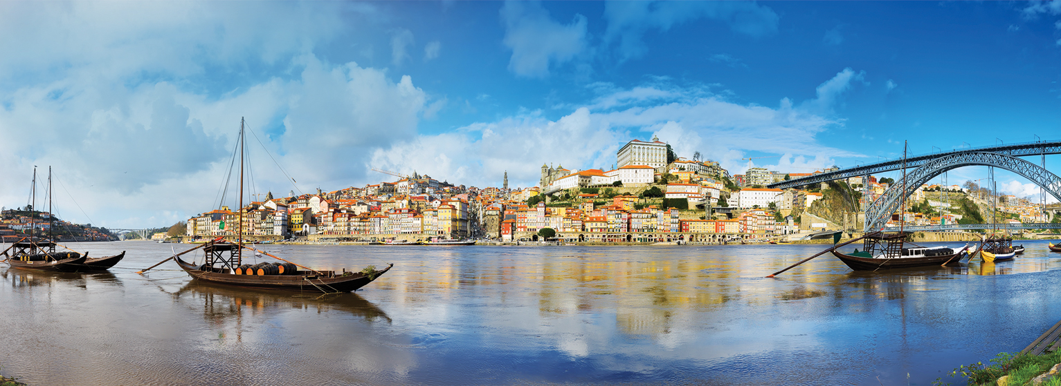 Flights from Paris to Porto  from 47 EUR