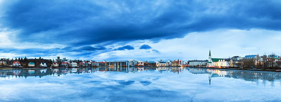 Flüge von Porto (OPO) nach Reykjavik (KEF)