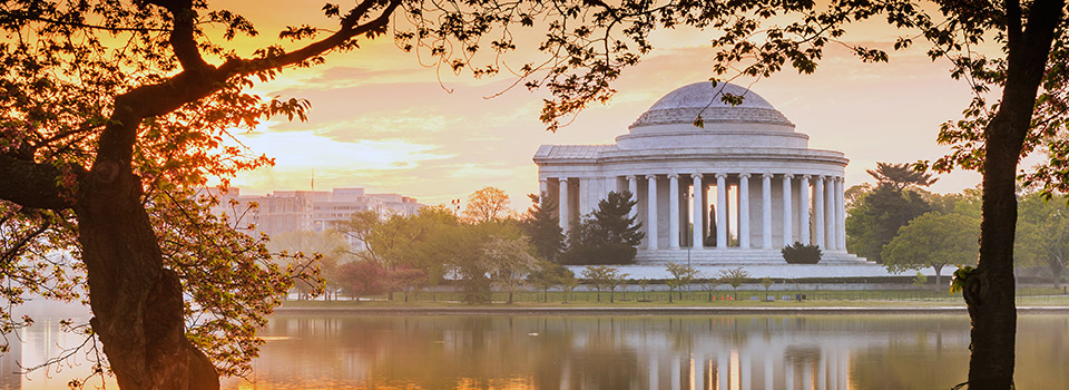 Flights from Barcelona to Washington, D.C.  from 329 EUR