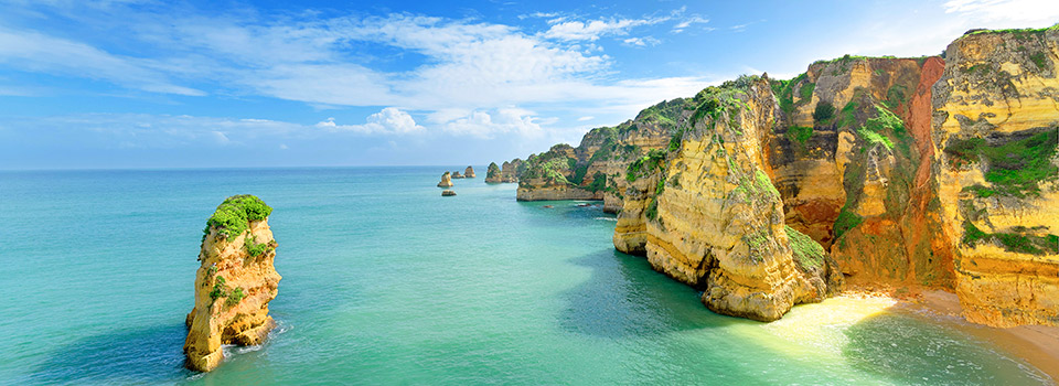 Flights from United Kingdom to Portugal from 57 EUR